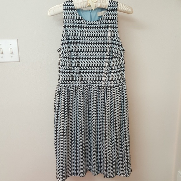 LOFT Dresses & Skirts - LOFT sleeveless drees NWT Small